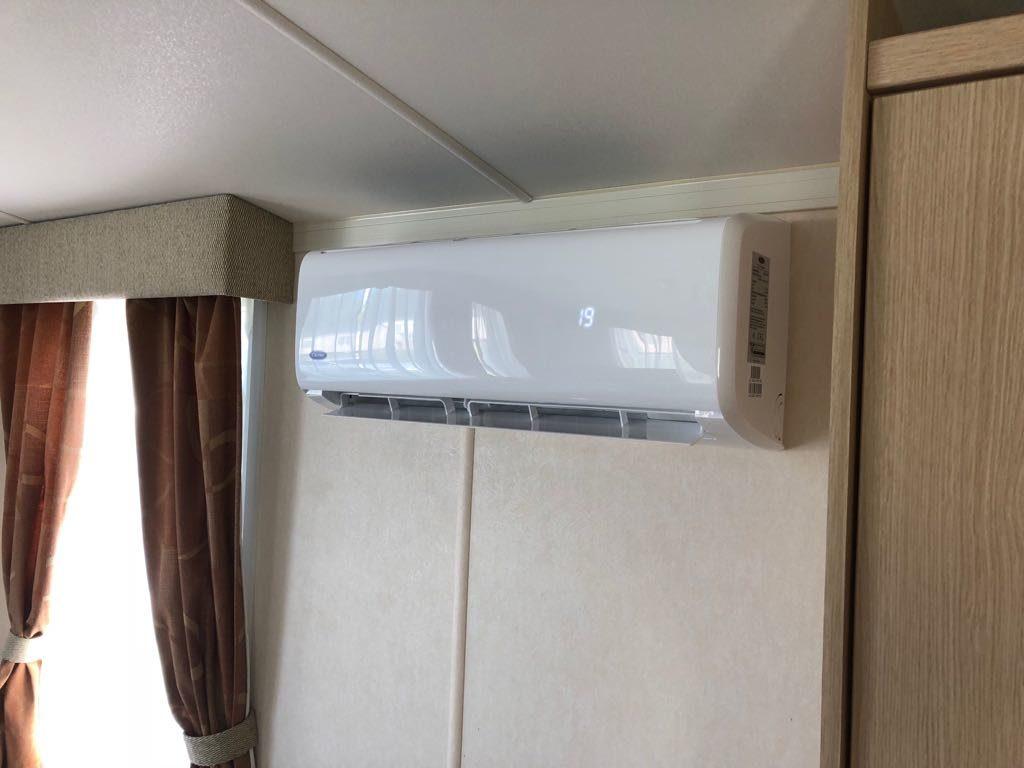 caravan-air-conditioning-indoor-unit-closeup